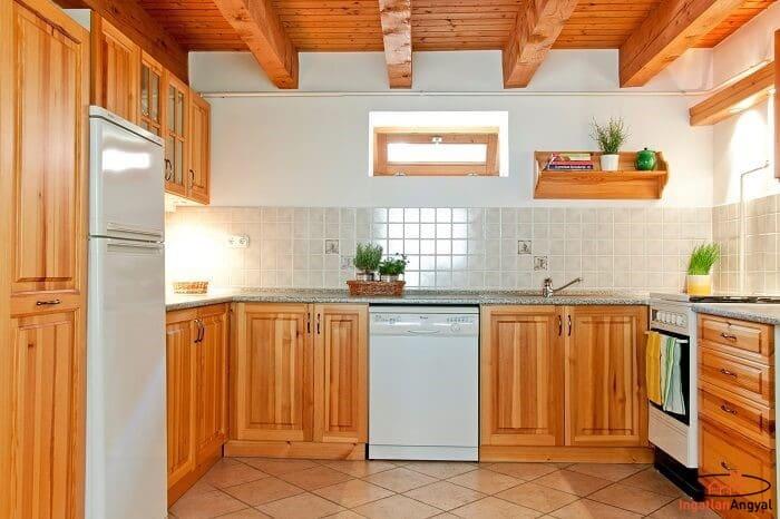 pátyi családi ház konyha