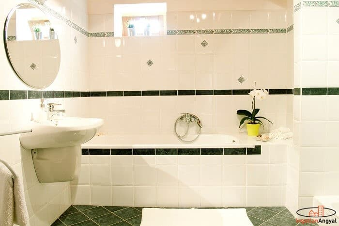 családi ház fürdőszoba