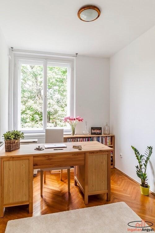 rózsadombi lakás dolgozószoba